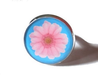 Flower ring - resin ring Picture - ring pink flower Charm -  gerbera ring - Flower Ring Statement - Ring Adjustable - pop ring- flowers