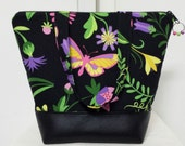 Butterflies Insulated Lunch Bag, Vinyl Bottom, Womens Lunch Bag, Flowers, Washable Lunch Bag, Nylon Liner with Pocket.