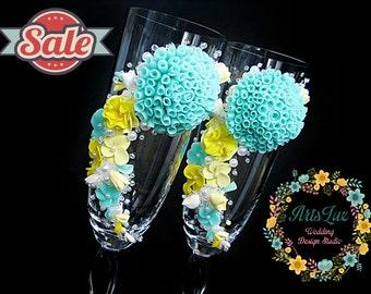 SALE -15% OFF Wedding champagne glasses with handmade flowers in mint&lemon - Wedding toasting flutes - Wedding Gift -Summer wedding