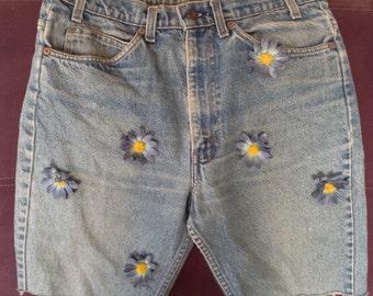 Levi's shorts, decorated Levi's cutoffs, 517, zipper blue jean shorts,blue jean cutoffs,Levi sz 33 - Vintage  levi shorts - Distressed Levis