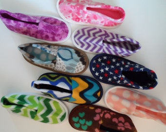 Katydid Med Print Fleece Slippers