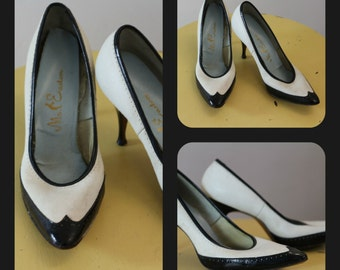 Vintage 1950's Black and White Leather fall / winter Heels