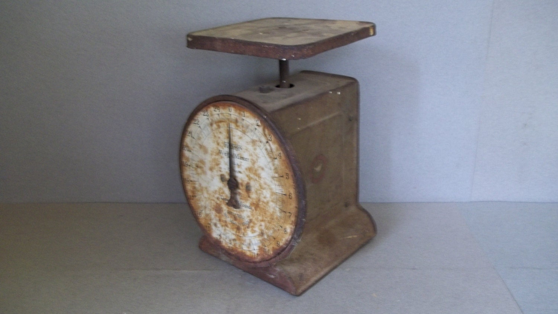 Vintage farmhouse scale rustic kitchen scale antique food for Rustic kitchen scale