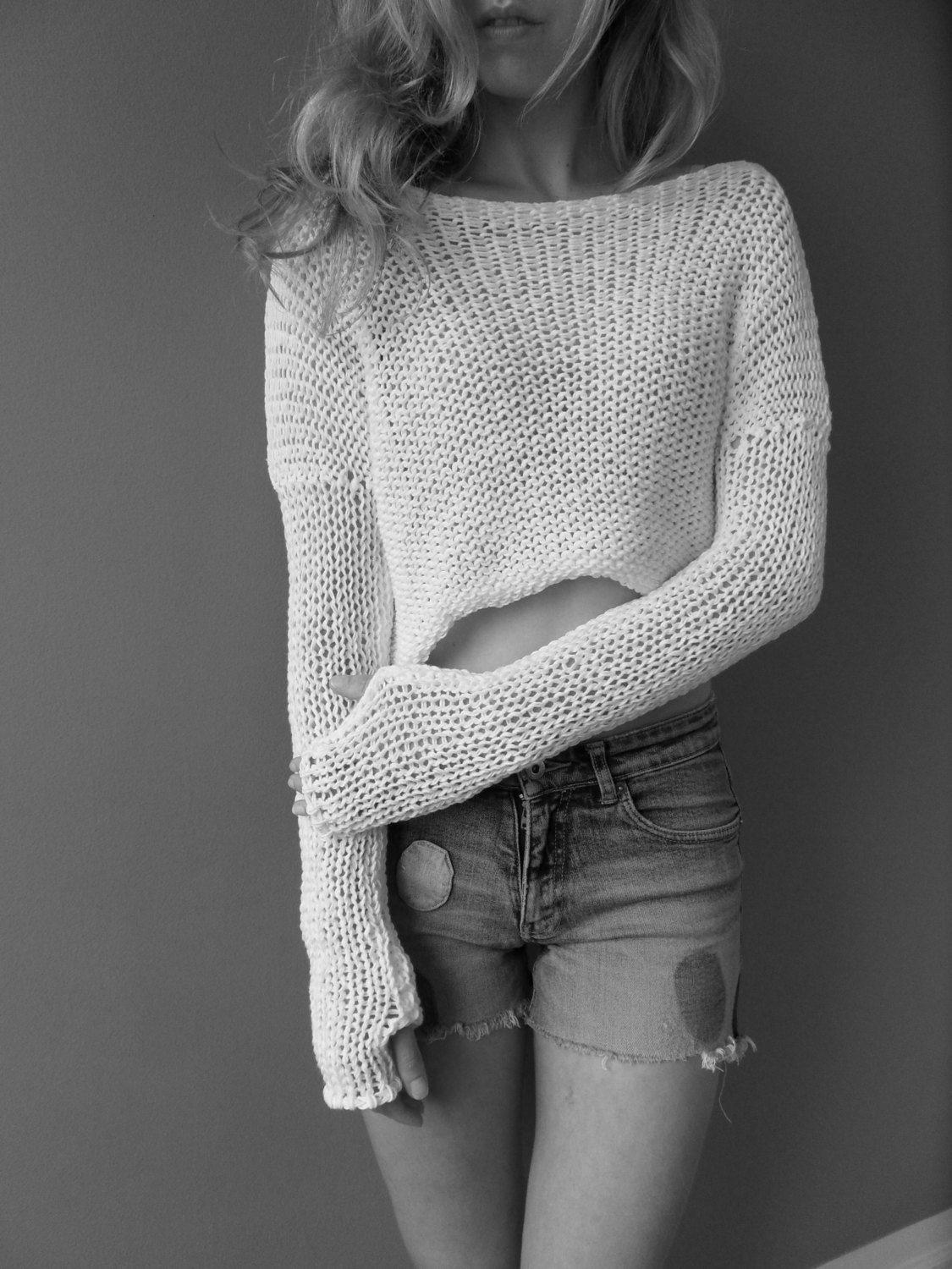 White cotton cropped sweater/. Spring/Summer knit. Loose knit