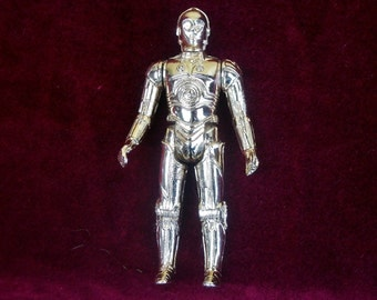 1977 Kenner Star Wars C-3PO Action Figure with Deep Gold Variant & 3 Line Variant