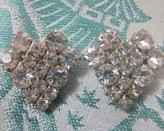 50s Hollywood Regency Rhinestone Earrings, Sparkling Clear Rhinestones Clip, Mid Century Vintage Jewelry, 1950s 60s Wedding Bridal Gift