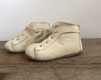 White Leather Baby Botte Shoes
