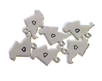 2x Silver Plated Maryland State Charms w/ Hearts - M070/H-MD