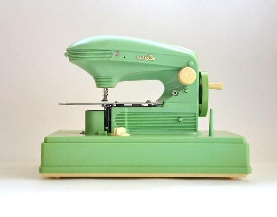 Machine coudre enfant jouet ancien ma cousette vintage for Machine a coudre king jouet