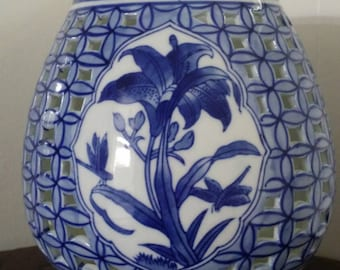 Pierced blue and white Chinoiserie candle holder