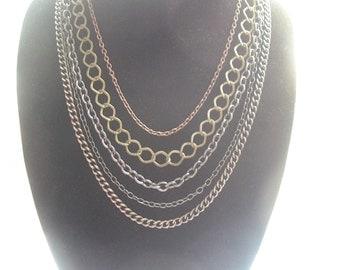 Multistrand chain necklace