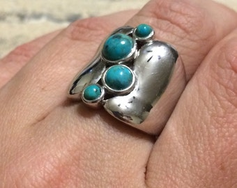 Stay on-trend ! Sterling Silver Round Blue-Green Turquoise Wide Band Ring