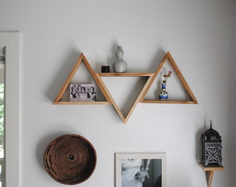Pallet Wood Triangle Shelving