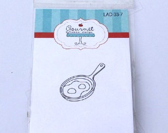 Gourmet rubber Stamp Egg in Frying Pan NEW in Package! Rubber stamps, Frying Pan, Breakfast, Over Easy, Unmounted