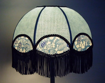 "Bohemian and romantic lamp with embossed ""Annika"" fringe"