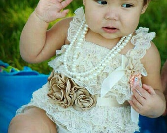 SHIPS NEXT DAY/Cream Lace Petti Romper/Photo Prop/Adorable Birthday Outfit/Christening After Outfit/Cake Smash Outfit/Cream Lace Romper