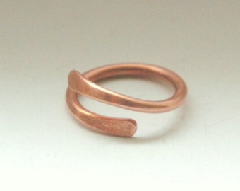 Copper Metal Bypass Ring.Custom Size Thin Skinny Simple Overlap Ring.Everyday 7th Anniversary Handmade Hand Forged Copper Metal Gift Jewelry