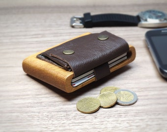 "Wood Wallet Oak ""Pochette"", Leather strap and pocket"