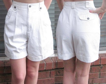 White Retro High Waisted Pin Up Shorts / Size 4