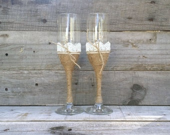 Bride and Groom Toasting Glasses with Lace and Twine, Rustic Wedding Champagne Flutes, Wedding Wine Glass Set, Wedding Flute Set