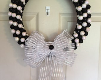 SALE-was 32.00-now 25.00,Christmas Wreaths, Winter Wreaths, Shiny Ball Wreath 15'' inches