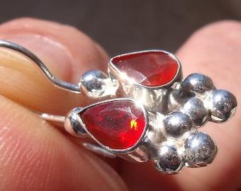 Mexican Cherry Opal gem & silver earrings E001