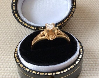 Vintage 18ct Fiery Solitaire Diamond Ring in High Claw Setting