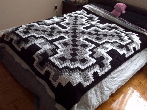 Crochet Queen Size Blanket : Blanket Pattern pdf: Frost Queen blanket - granny square, queen size ...