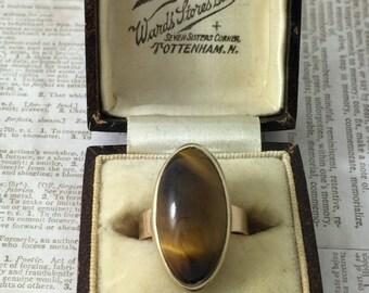 Vintage 9ct gold tigers eye ring.