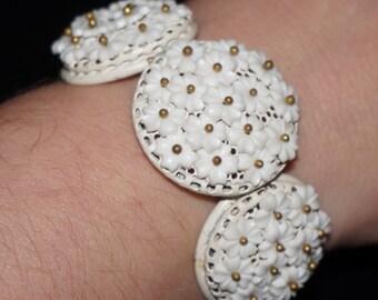 Vintage 50s White Floral Flowers Bridal Cuff Clamper Bracelet