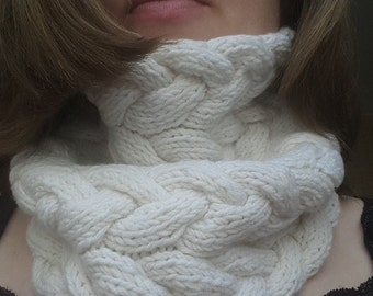 Hand knitted snood White wool snood White wool collar