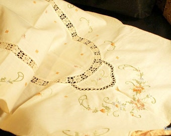 Vintage cross stiched embroidered linen table runner doily, needle lace inserts