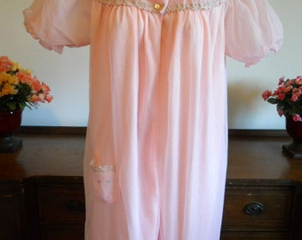 Size Medium ~ Vintage 1960's Pretty In Pink Peignoir ~ Negligee ~ Double Nylon Chiffon ~ Puff Sleeves ~ Romantic~ Sissy ~ Vintage Lingerie ~