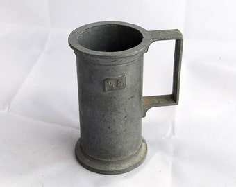 Cup in pewter for messuring, vintage Italian tin. Antique vintage mug in 95% pewter.  cool item for your kitchen.