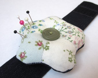 Wrist Pin Cushion Pdf Sewing Pattern, Cuff Pincushion Make