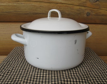 White Enamelware Cook Pot with Lid