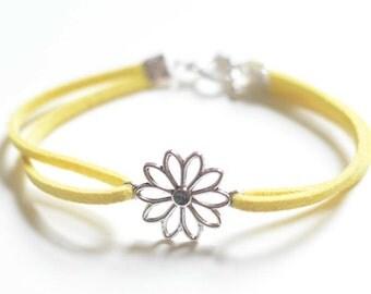 Flower Bracelet, Flower Jewelry, Flower Girl Gift, Daisy Flower, Gift For Her
