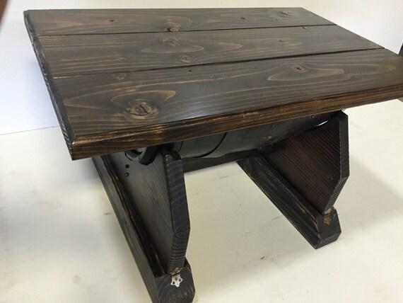 table basse barrique de vin whisky tonneau par wolfcreekcarpentry. Black Bedroom Furniture Sets. Home Design Ideas