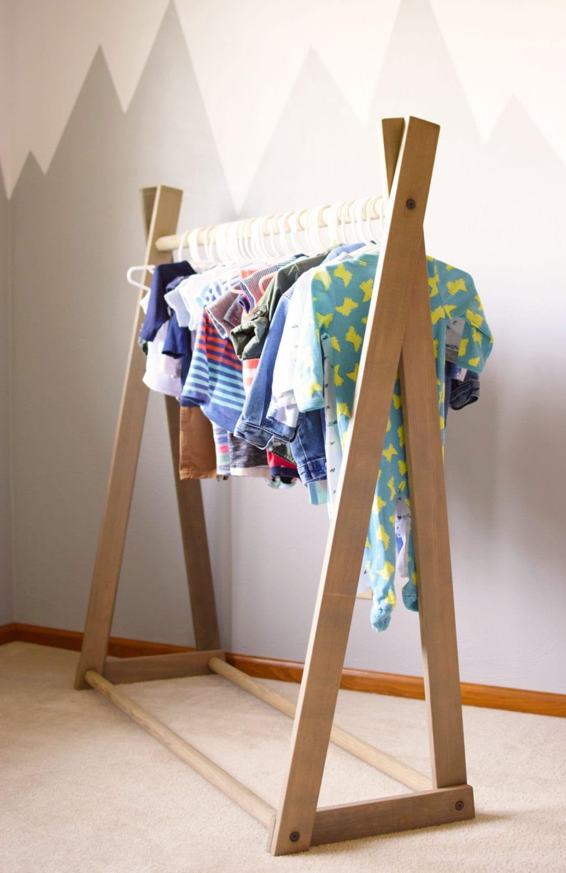 clothing rack children 39 s clothing rack wood clothing. Black Bedroom Furniture Sets. Home Design Ideas