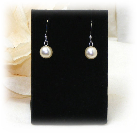 "Vintage ""DANGLING PEARL EARRINGS"" . . . Pierced Earrings (never worn)"