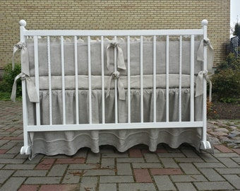 Crib bumper and crib skirt /// Crib bedding, Nursery bedding, Cot bedding
