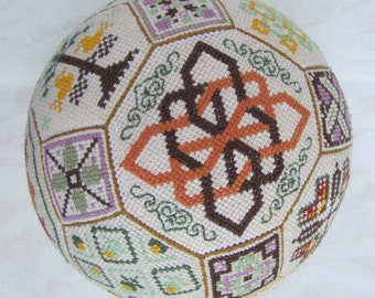 Quaker Ball, hand made, Magic Ball does the desire, needlepoint, handmade toy ball, embroidery toy ball