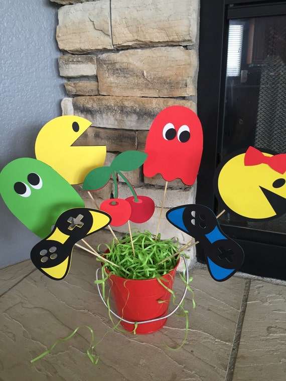 Retro pacman centerpiece picks pacman party video game for 80 s table decoration ideas