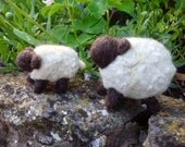 Needle felted little fat sheep and her baby lamb, made to order using a selection of wool tops