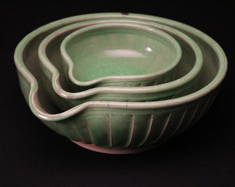 beautiful nesting mixing pouring bowls