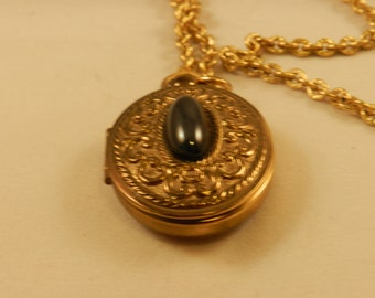 Perfume Locket, with Hematic like StoneCenter, Vintage