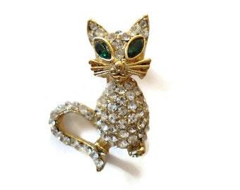 Vintage Cat Brooch, Kitty Cat Pin, Feline Figural Pin, Crystal Cat lovers Gift Idea, Kitty Jewelry, Animal Jewellery 1960s Fashion Accessory