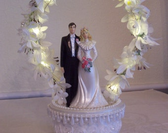 Wedding Cake Topper Bride & Groom [Lighted]