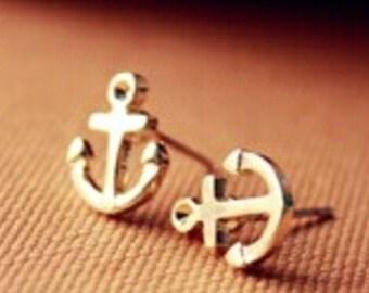 Ear plug anchor