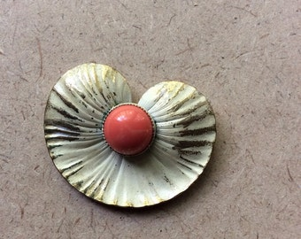 Retro Vintage Enameled White Lily Pad Brooch